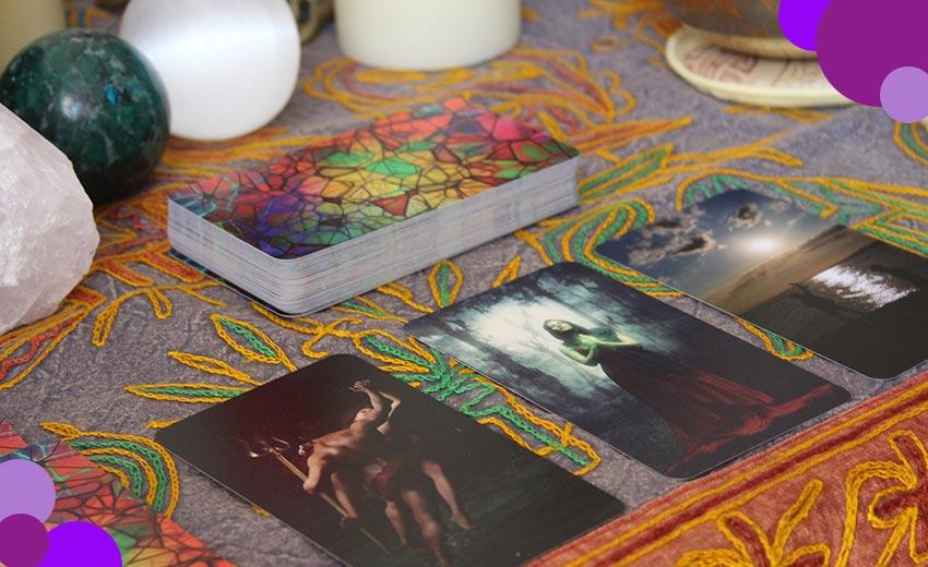diferencia entre oraculo y tarot